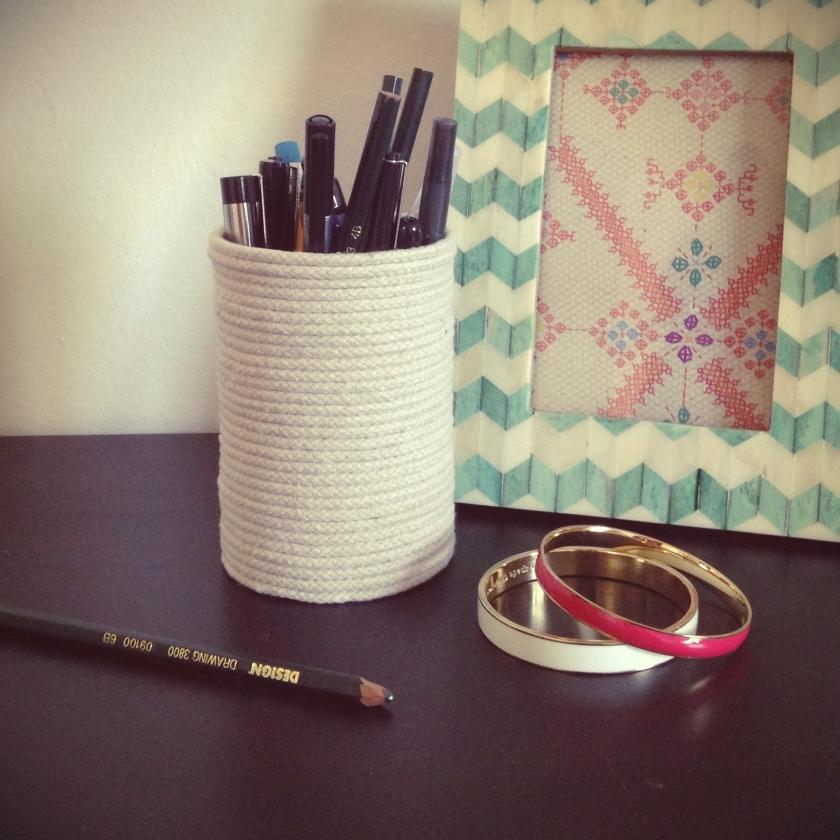 Easy DIY rope pencil cup   raisonné blog